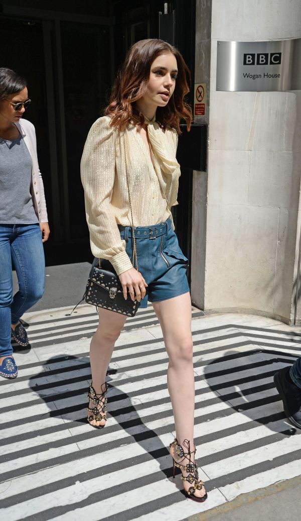 Lily_Collins__18_