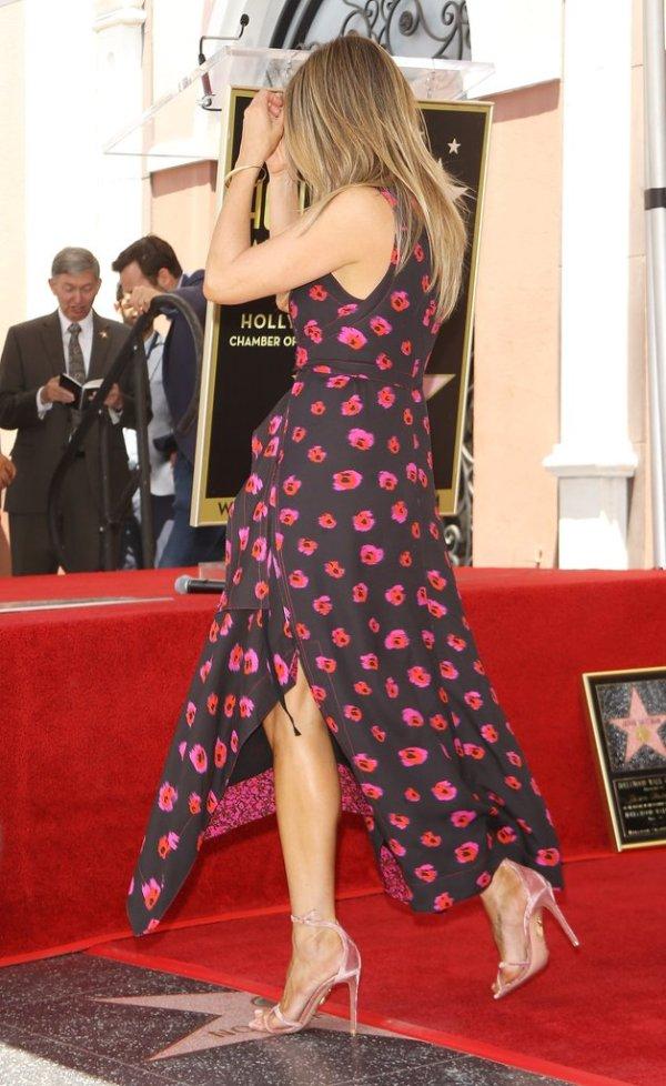 Jennifer-Aniston-Proenza-Schouler-Printed-Dressj